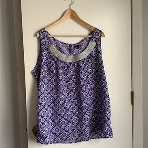 Gap printed blouse - silver neck detail. Like new!